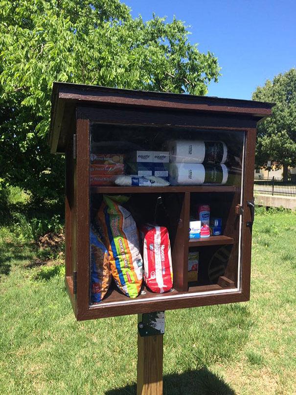 free-little-pantry-feed-homeless-poor-jessica-mcclard-1