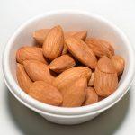 אלה הם 8 היתרונות הבריאותיים של אכילת שקדים