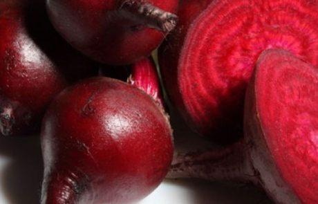 12 הסיבות הטובות והעיקריות לכך שעליכם להוסיף סלק לתזונה היומית שלכם